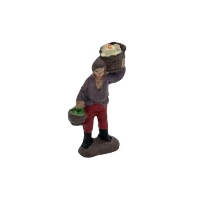 Uomo che trasporta verdura in terracotta 2 cm