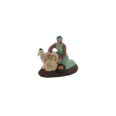 Donna che lava animale in terracotta 2 cm