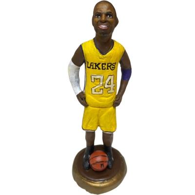 Statuetta Kobe Bryant in terracotta 17 cm