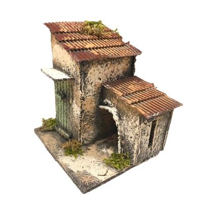 Casa di campagna con stalla 12 cm