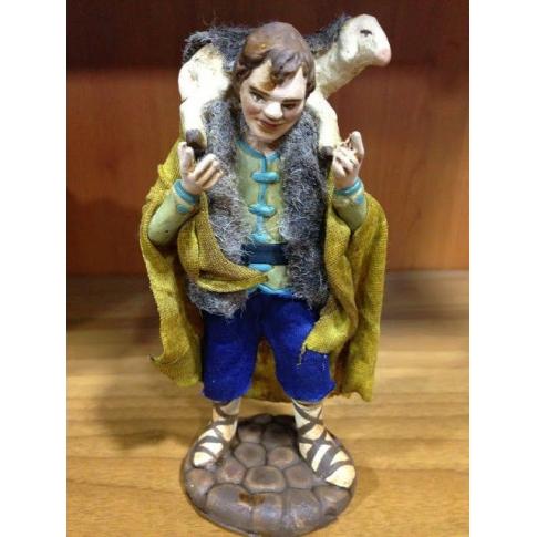 Uomo con pecora in terracotta con vestiti di stoffa 12 cm