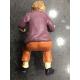 Uomo in terracotta da sedere su sedia 10 cm