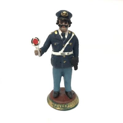 Poliziotto con paletta in terracotta 17 cm