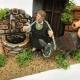 Uomo con asino alla fontana in movimento 7 cm