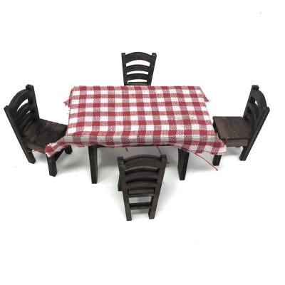 Tavolo con sedie in legno per pastori da 10 cm