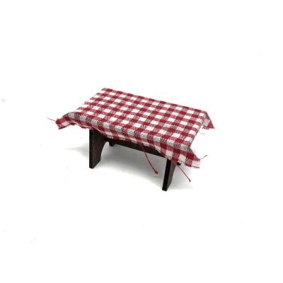 Tavolo con tovaglia per pastori da 7 a 10 cm