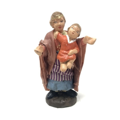 Donna con bambino in terracotta con vestiti di stoffa 7 cm