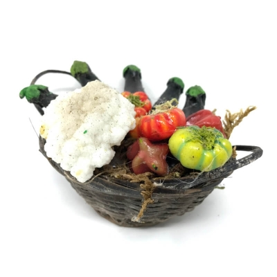 Cesto con verdure e melanzane in cera minuterie per presepe