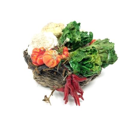 Cesto con verdure fresche in cera
