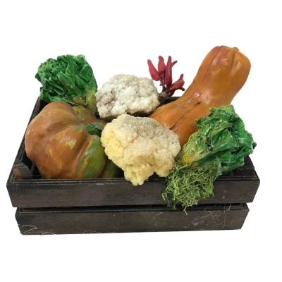 Cassetta con misto di verdure in cera