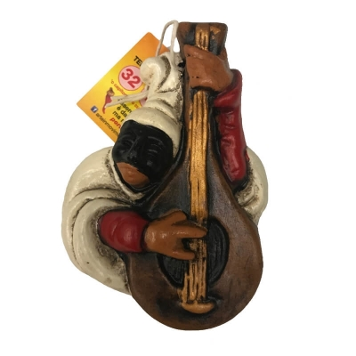 Pulcinella su Mandolino in terracotta 13 cm